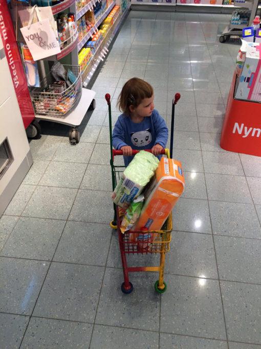 lilka-nakupuje