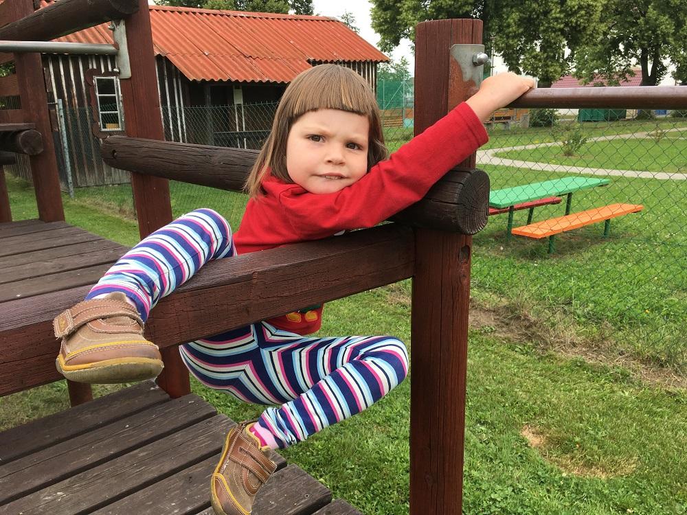Dětský hřiště je fajn